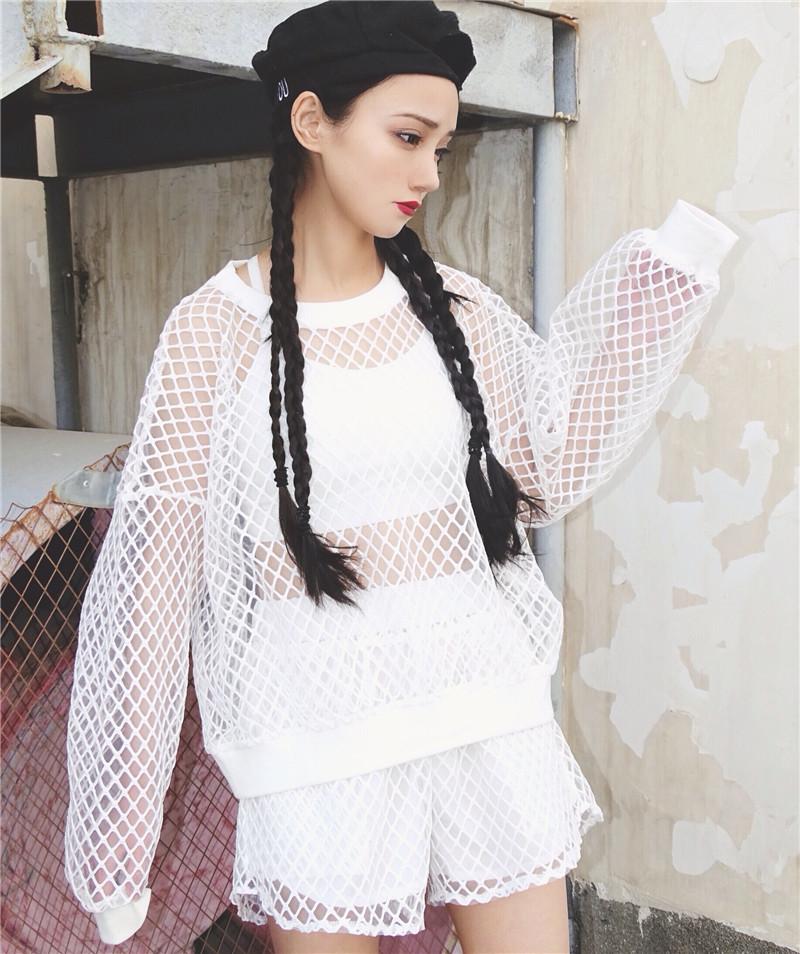 [Preorder] เสื้อแขนยาวลูกไม้ตาข่าย + กางเกงขาสั้น มีสีขาว/ดำ
