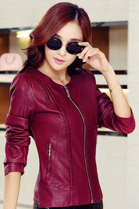 Pre-Order เสื้อแจ็คเก็ตหนังผู้หญิง สีไวน์แดง แต่งซิปหน้าและกระเป๋า คอกลม แขนยาว แฟชั่นเสื้อกันหนาวสไตล์เกาหลี