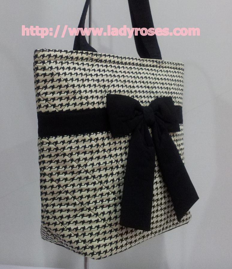 กระเป๋าสะพาย นารายา ผ้าคอตตอน ลายชิโนริ ผูกโบว์ (กระเป๋านารายา กระเป๋าผ้า NaRaYa กระเป๋าแฟชั่น)
