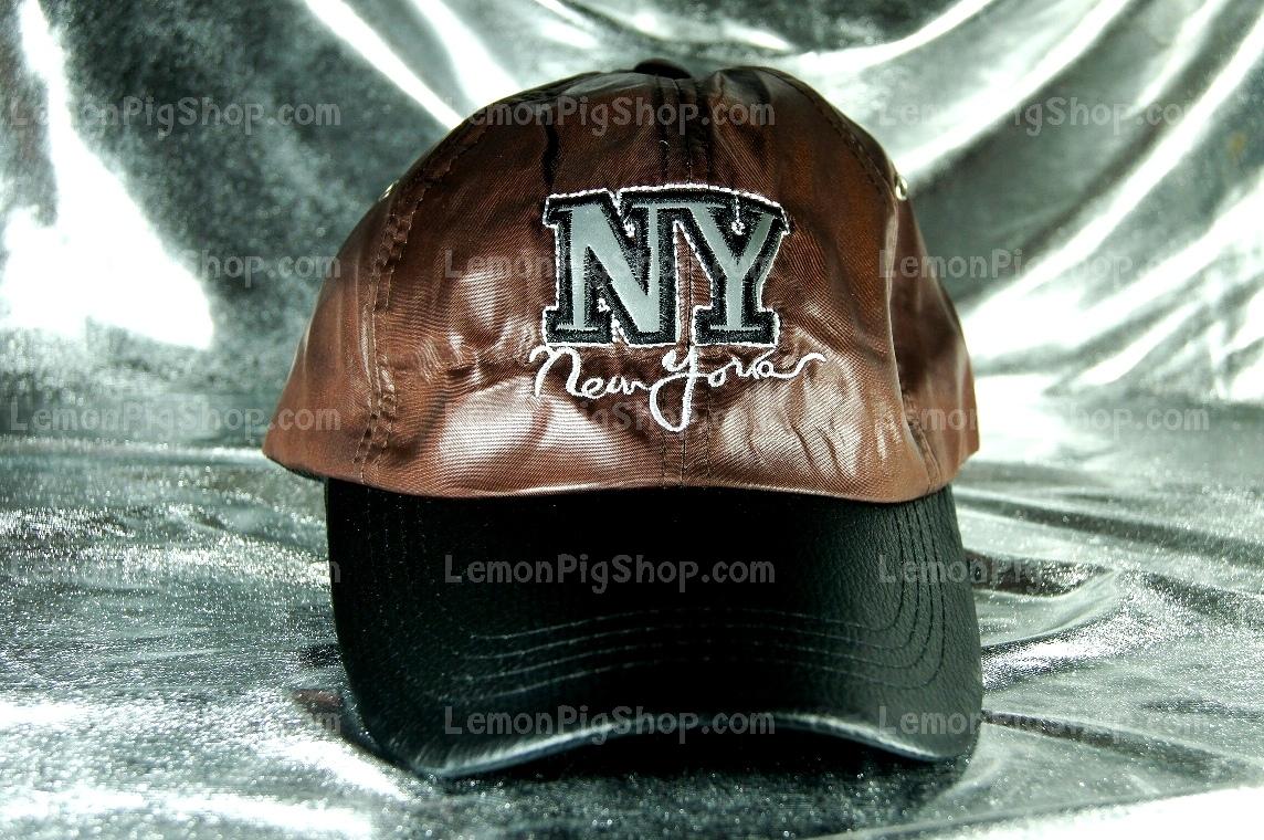 หมวก Cap หนังสีน้ำตาล ปีกดำ ปัก NY เท่ห์มากๆ