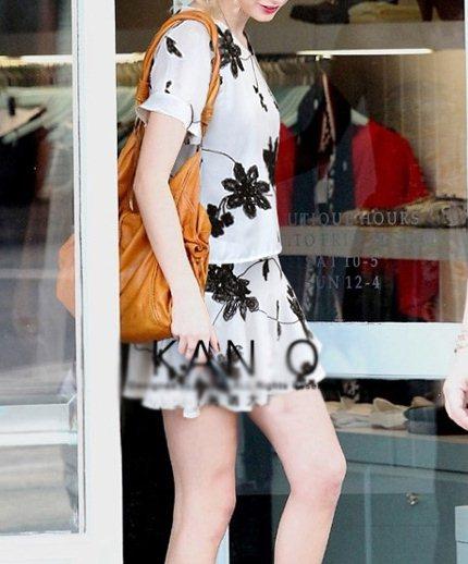 PreOrderไซส์ใหญ่ - เซตคู่เสื้อกระโปรงไซส์ใหญ่ คนอ้วน เสื้อ กระโปรง ปักดอกไม้ สไตล์วินเทจ สี : สีขาว / สีดำ