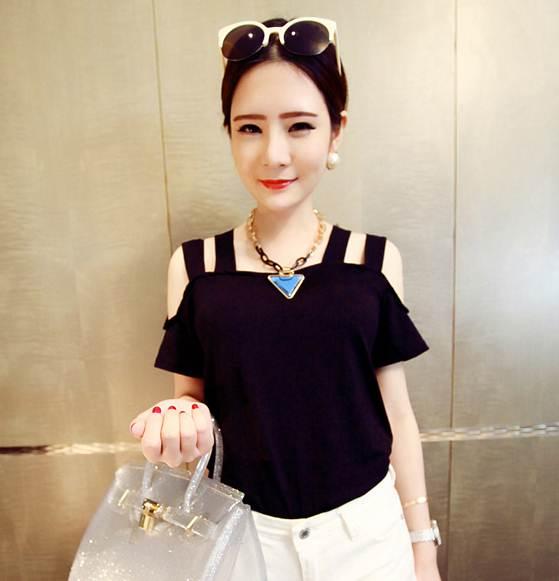 Pre Order เสื้อผู้หญิงแฟชั่น ผ้ายืดสองสาย โชว์ไหล่เซ็กซี่ สไตล์สาวเกาหลี มี3สี