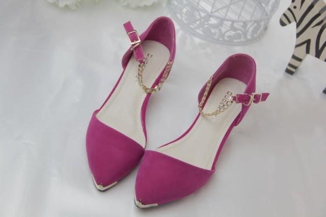 (พรีออเดอร์) รองเท้าแฟชั่น คัทชู ส้นไม่สูง ปลายรองเท้าแต่งด้วยโลหะ