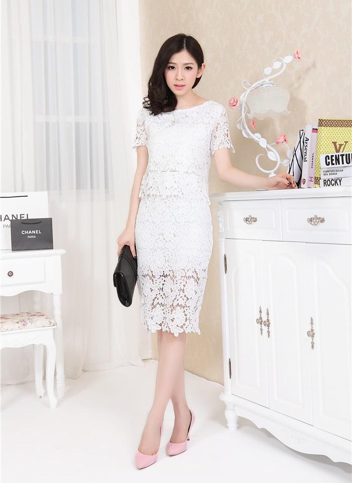 แฟชั่นเกาหลี set 2 ชิ้น เสื้อ + กระโปรง ผ้าถักลายดอกไม้ สีขาว สวยมากๆ