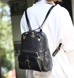 Pre-order กระเป๋าเป้สะพายหลังและสะพายข้าง ผู้หญิง แฟชั่นเกาหลี รหัส KO-204 สีดำล้วน ลายOO *แถมตุ๊กตา