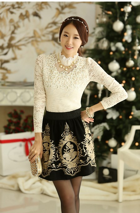 เสื้อผ้าแฟชั่น JSG เสื้อผ้าลูกไม้ ชนิดยืดหยุ่นได้ แขนยาวสีขาว เสื้อสวยด้วยผ้าถักลายดอกไม้ แต่งดิ้นที่ช่วงอก (พร้อมส่ง)