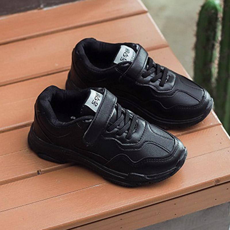 รองเท้านักเรียนป้ายเกาหลี สีดำ