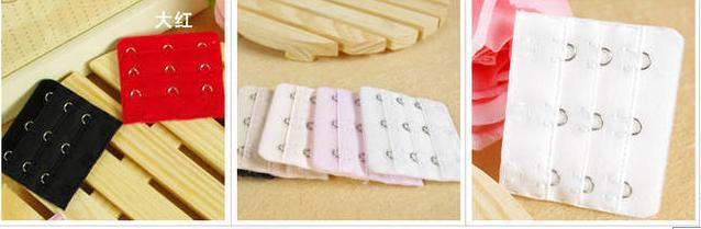 ตะขอต่อเสื้อใน 3 ตะขอ มี 4 สี สีชมพู + สีเนื้อ + สีดำ + สีขาว