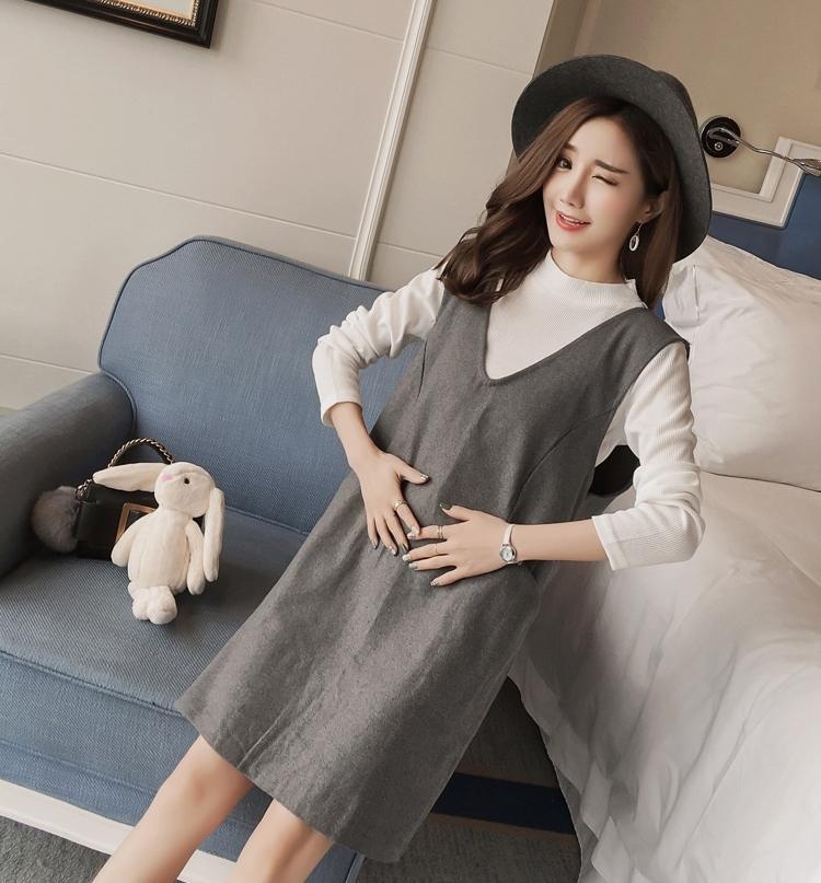 เซ็ตเอี้ยม เสื้อยืดสีขาวแขนยาว + เอี้ยมเทาดำ มีกระเป๋าหน้าสองข้าง ผ้าหนา งานดี น่ารักมากๆค่ะ