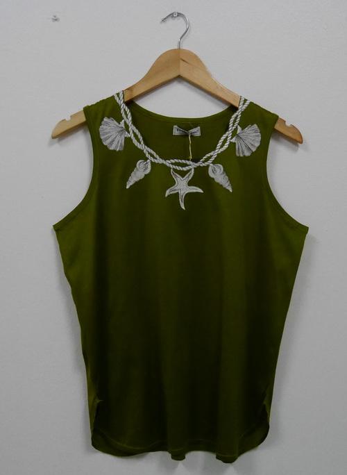Jp4046 New!! สินค้ามือหนึ่งป้ายห้อย เสื้อกล้ามสีเขียว รอบอก 38-40 นิ้ว