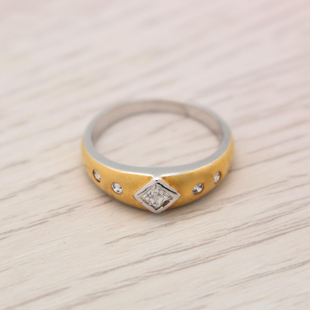 แหวนเพชรCZ หุ้มทองคำขาวพ่นทรายสีทอง ไซส์ 53