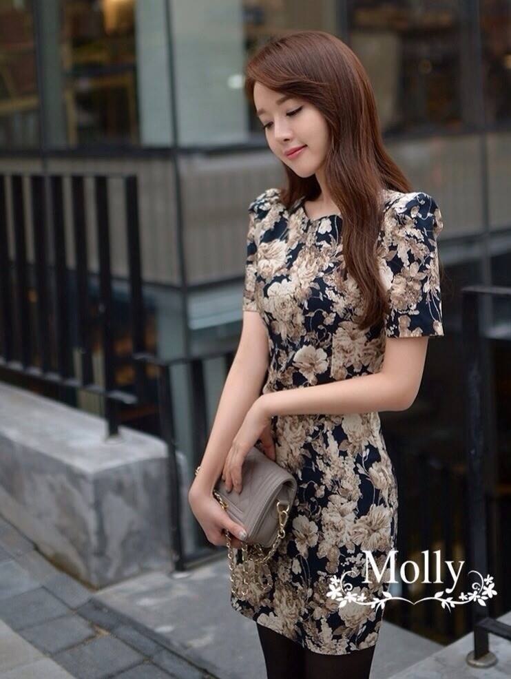 Molly มินิเดรสสีดำ ลายดอกไม้แนววินเทจ
